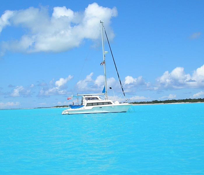 Catalac 8M Review, want a catamaran, buy a catamaran, Catamaran for sale, Catalac catamaran